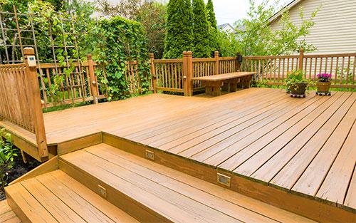 terrasse bois avec incrustation de spots